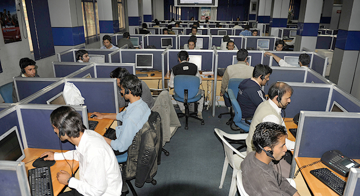Dozens arrested for call centre scam in India
